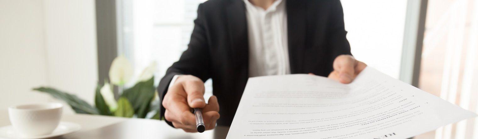 Чи можна передавати свої документи на житло третім особам? Які є ризики?, фото [1]
